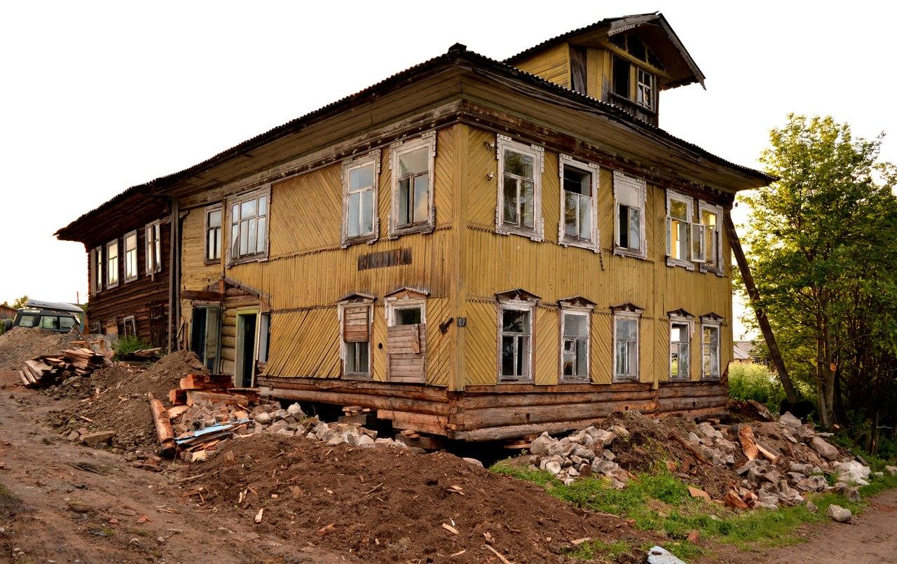 Восстановление здания для музея. Июнь 2014 г. Фото из группы