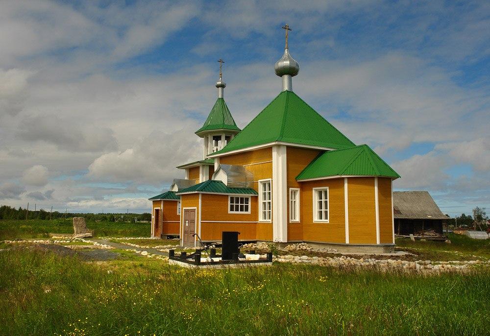 Храм в честь Преподобного Елисея Сумского. Село Сумский Посад. Фото В. Дрягуева