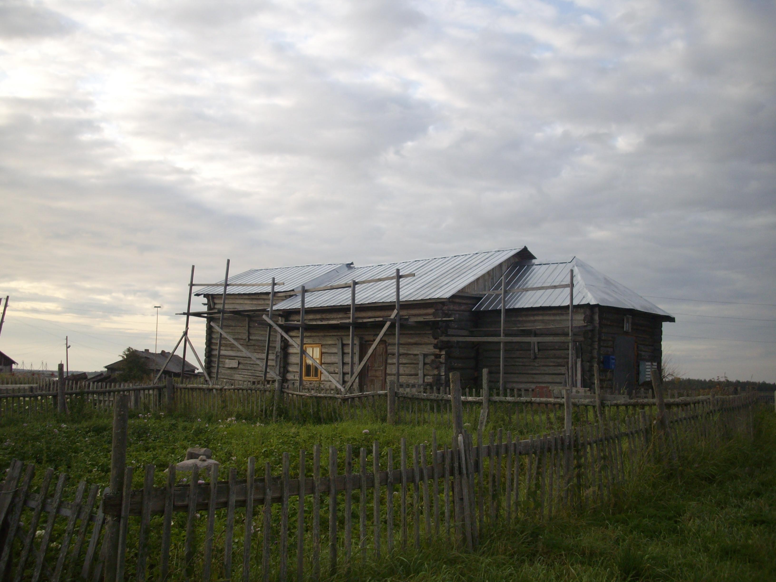 Восстановление храма в с. Сухое. Фото В. Кошкина, 2009 г.