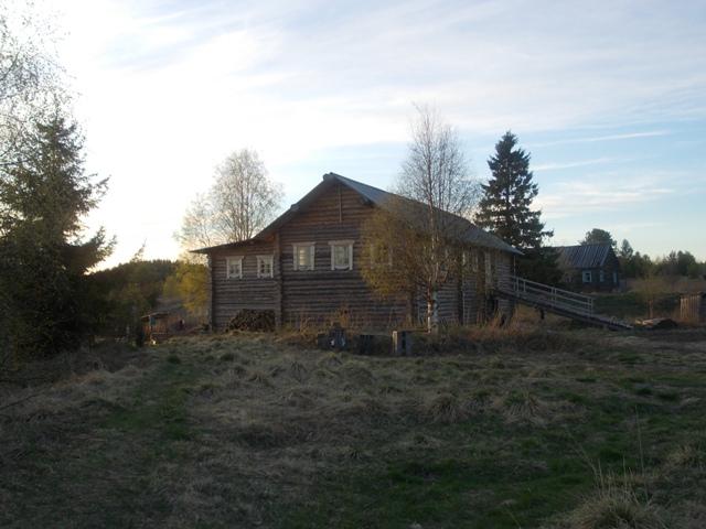 Деревня Хайколя. Один из восстановленных домов деревни. Фото О.Степановой. 21.05.2013 г.