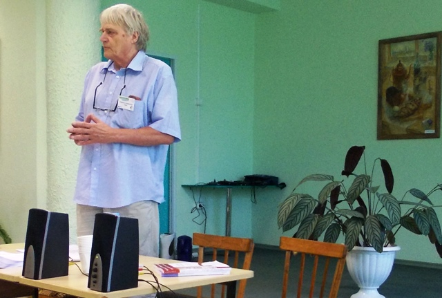 Маркку Ниеминен открывает семинар. 9 сентября 2013 г.