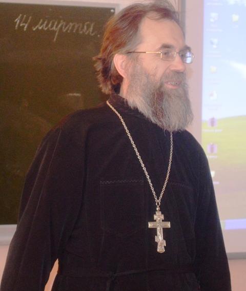 Выступление отца Виктора на премьере хронографа. Фото А. Лазутина