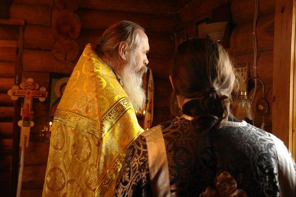 Батюшка Сергий. Молитва. Фото Виктора Дрягуева