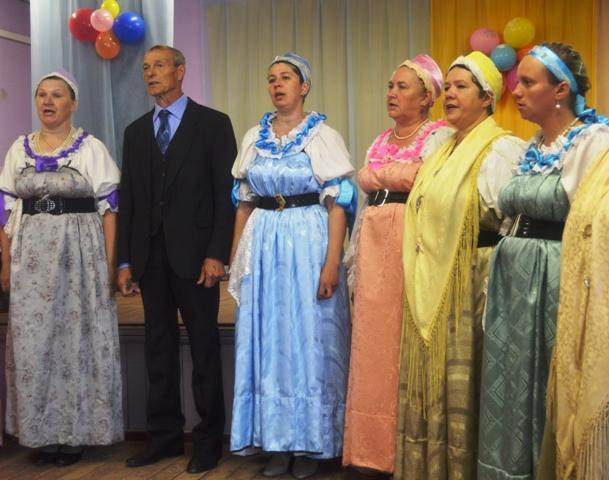 Сумпосадская фольклорная группа. 27 июня 2014 г. Фото С. Кошкиной