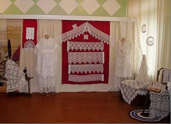 На выставке «Белое кружево Поморья», 2006-2007 гг.