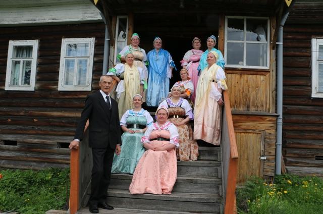 Сумпосадская фольклорная группа. Июнь, 2015 г. Фото Виктора Дрягуева
