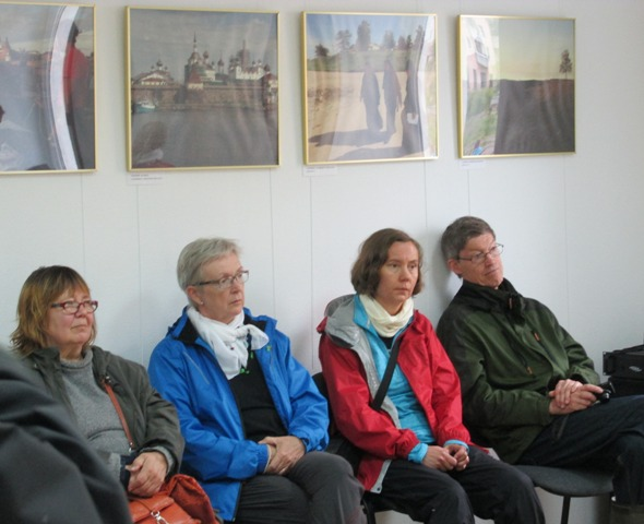 Группа туристов из Финляндии знакомится с деятельностью Центра поморской культуры, 3 июля 2015 г. Фото Любавы Абайдуллиной