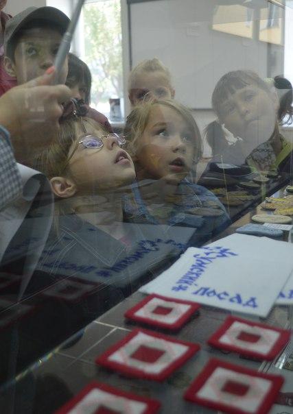 Экскурсия по выставке «Сделано в Беломорске». Фото Ольги Степановой