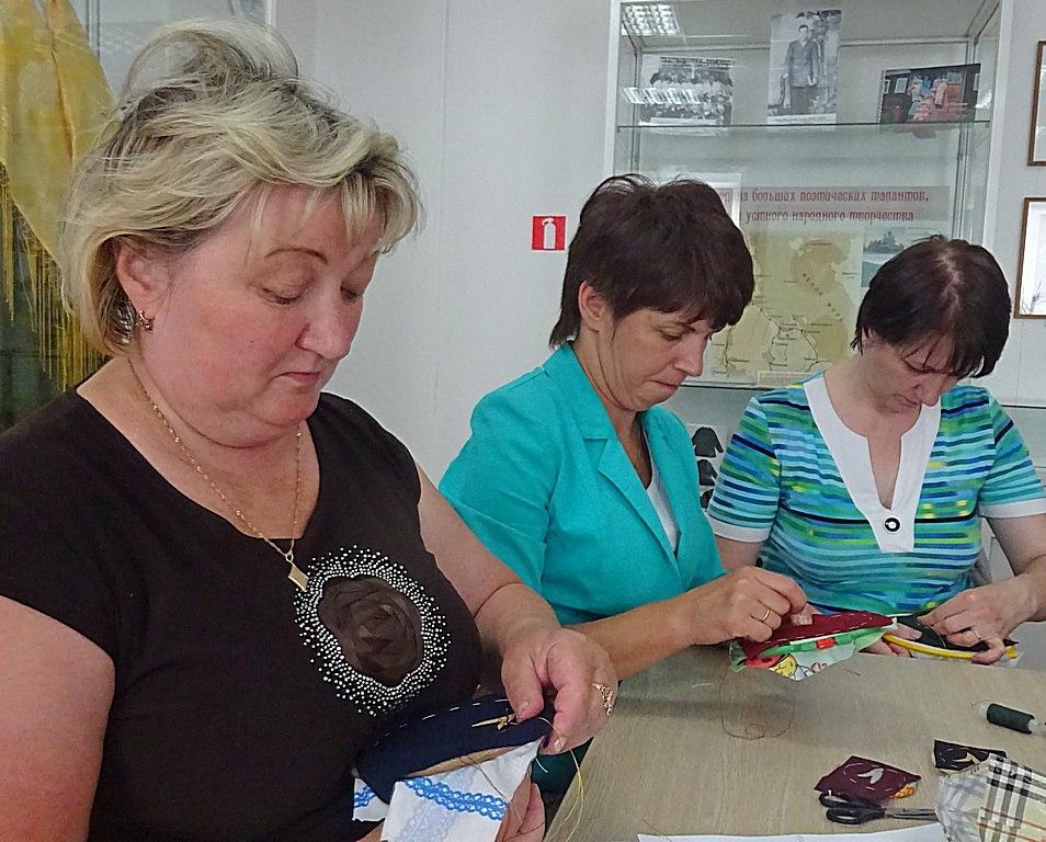 Курсы золотного шитья в Центре поморской культуры. Занятие второе