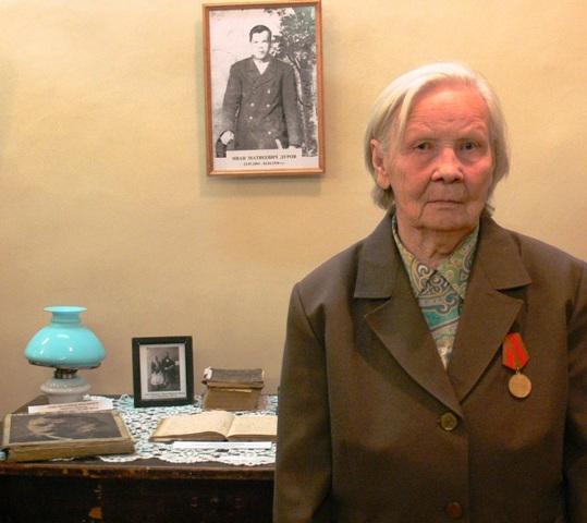 Е. С. Гарусова на презентации словаря И. М. Дурова. 13 октября 2011 г. Фото О. Степановой